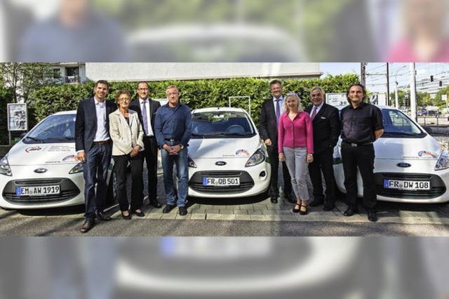 PSD-Bank übergibt Autos an soziale Einrichtungen