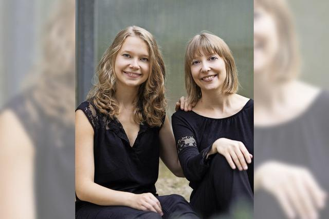 Amélie und Isabel Gehweiler in der Altweiler Kirche