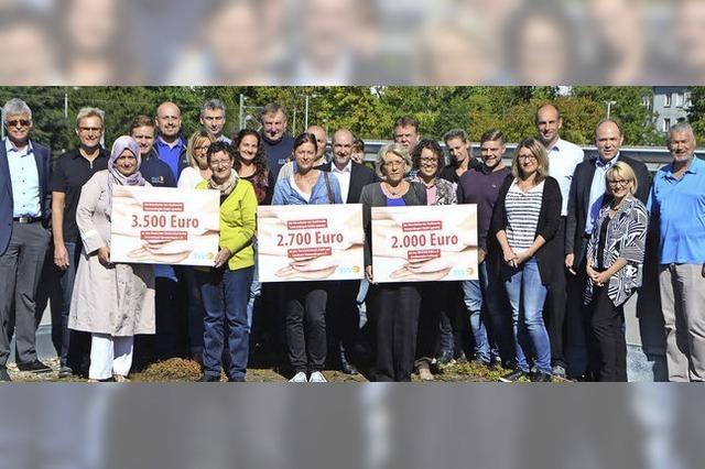 Mitarbeiter spenden über 8000 Euro