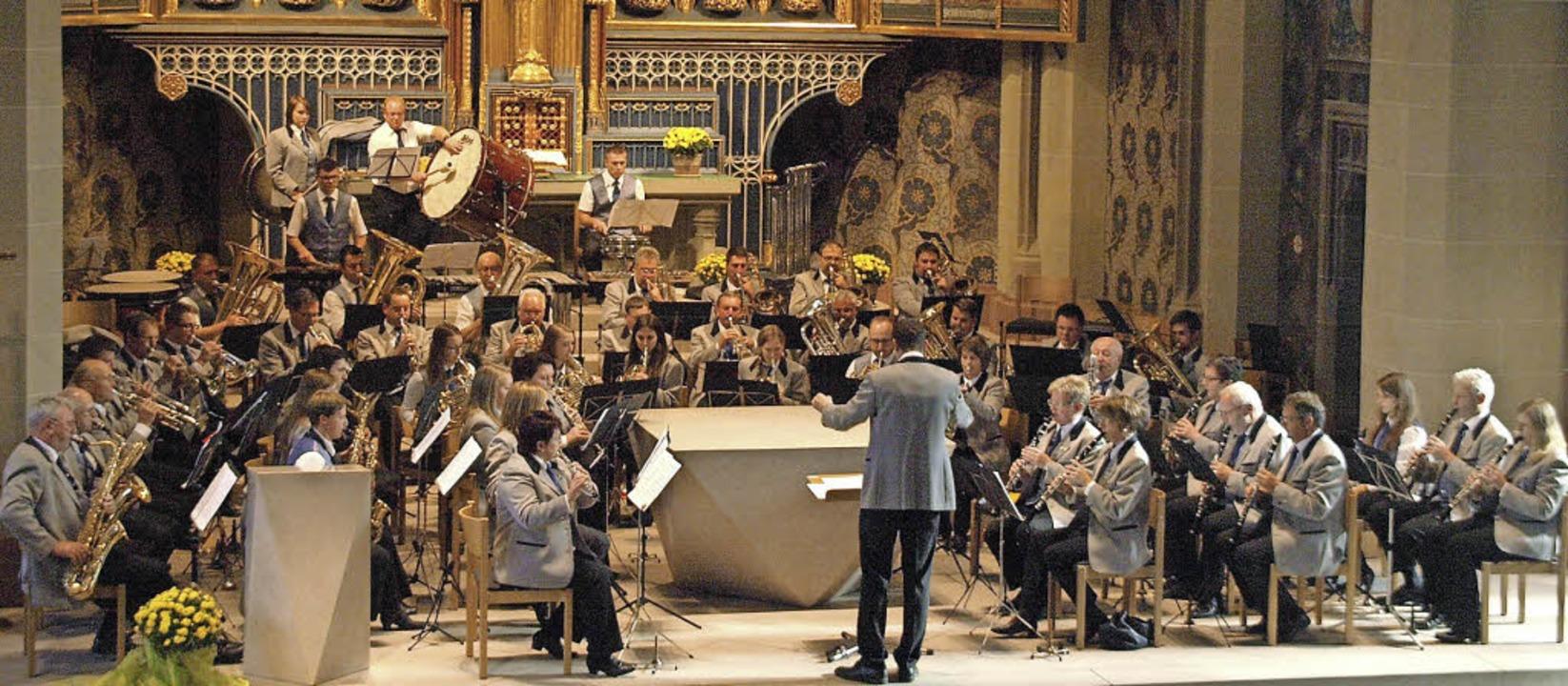Vor vollen Bankreihen spielten die Sta...ert im Münster St. Jakobus in Neustadt  | Foto: Karin Stöckl-Steinebrunner