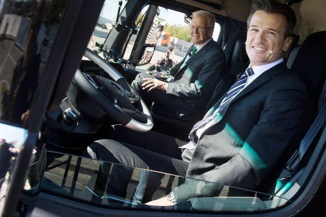 Erstmals rollt selbstfahrender Lastwagen auf Autobahn