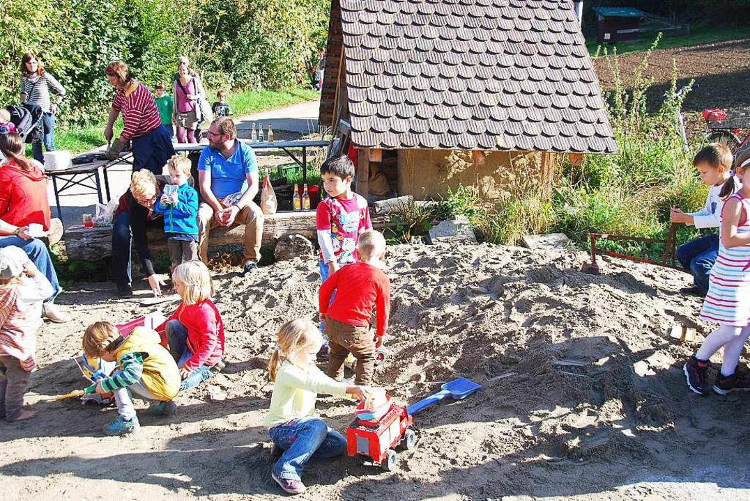 <ppp> oder auch das Spielen im Sand</ppp>  | Foto: Edgar Steinfelder