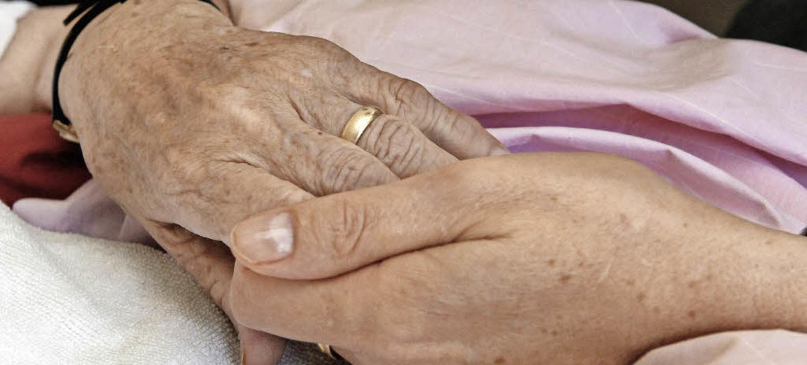 Die Hospizbewegung, die Sterbende begl...fe und zur Beihilfe zur Selbsttötung.   | Foto: dpa