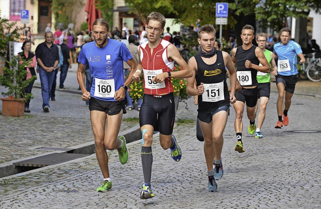 Die Spitzengruppe der Männer beim Alts...ll sowie Dominic Libisch (Nummer 153)   | Foto: Murst