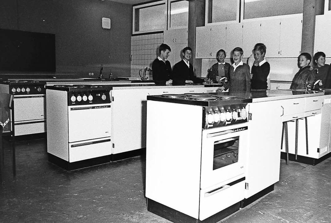 Schuleinweihung in SexauSexau vor 50 Jahren    Foto: Armin Möller