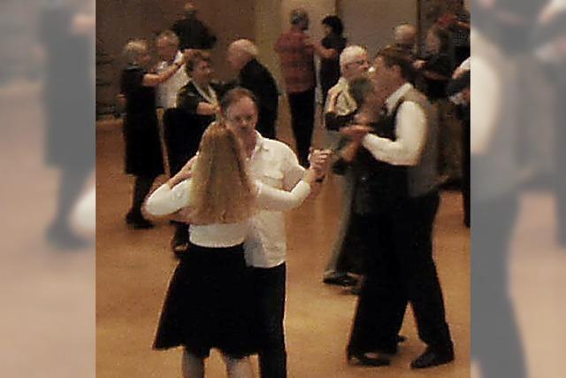 Zum Tanztee