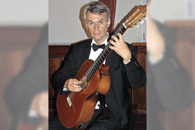 Kunstvolles Gitarrenspiel im Schloss