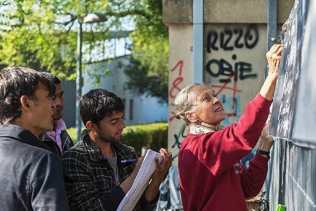 Wie sich die Lörracher Straße verändert hat, seit 700 Flüchtlinge an ihr wohnen