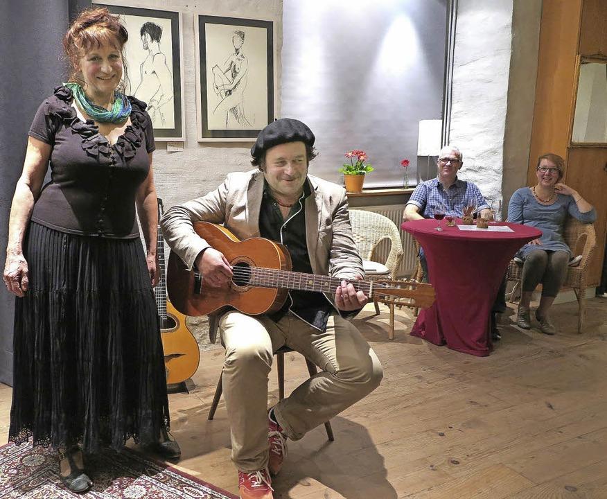 Andrea Gawaz und Tobias Kirchmeyer bei...ce in der Alten Schreinerei in Laufen   | Foto: dorothee philipp