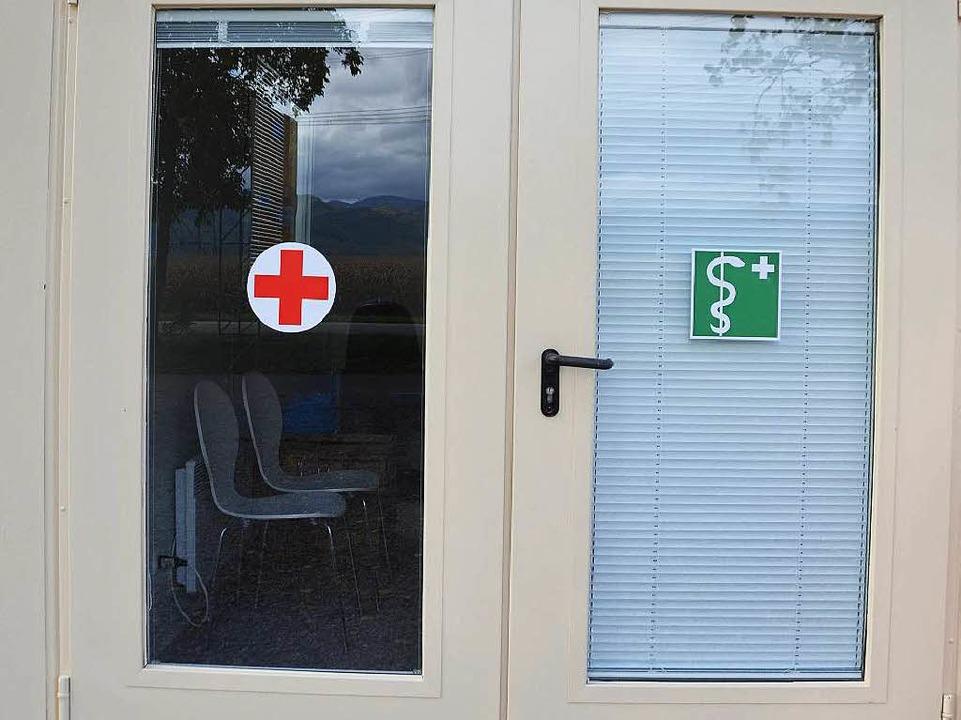Im Sanitätscontainer steht Erste Hilfe im Vordergrund.  | Foto: Andrea Gallien