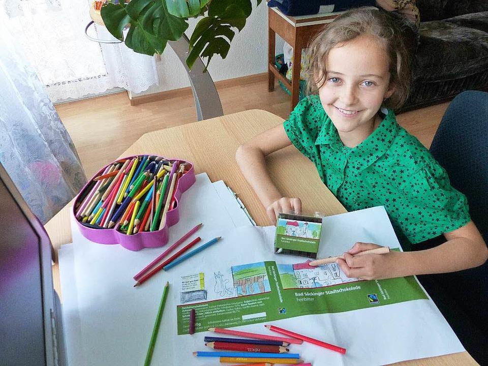 Die achtjährige Jessika Diel aus Bad S... Säckinger Stadtschokolade Feinbitter.    Foto: Marion Rank