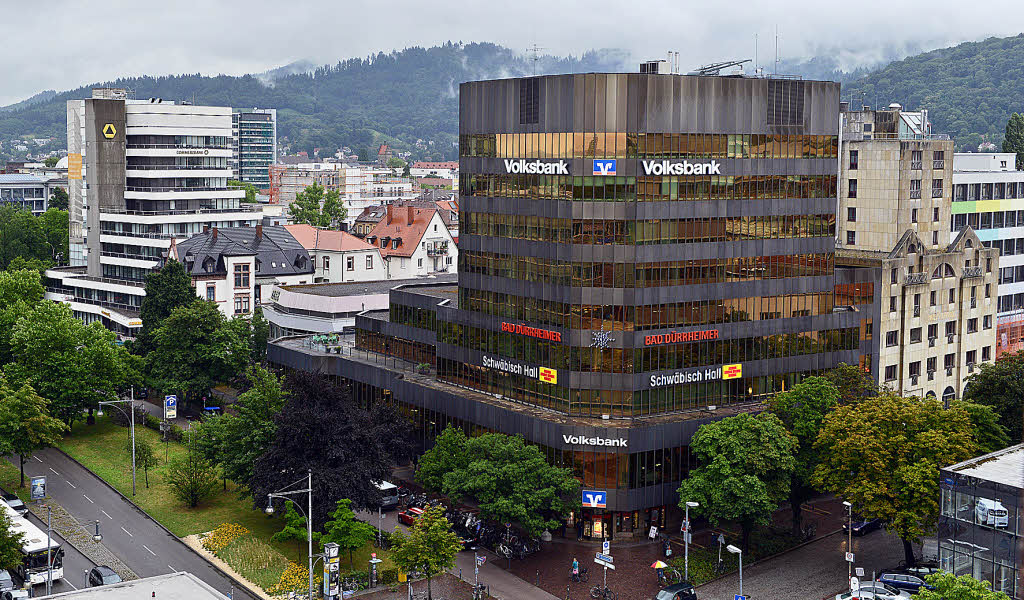 volksbank will zentrale und des benachbarte hotel. Black Bedroom Furniture Sets. Home Design Ideas