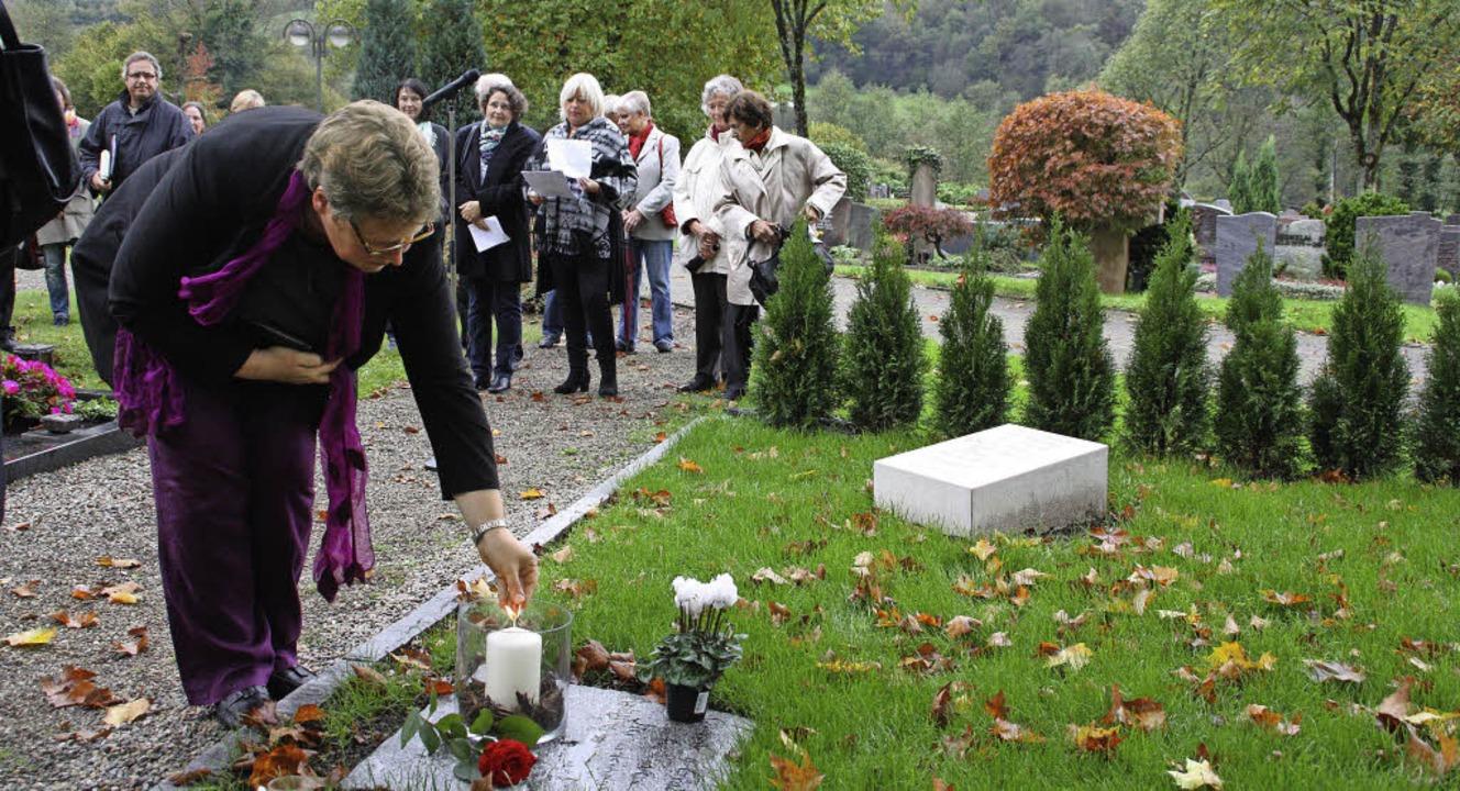 Im Oktober 2014 entzündet  Gemeinderef...kstätte eine Kerze für Sternenkinder.   | Foto: Archivfotos: Jörn Kerckhoff