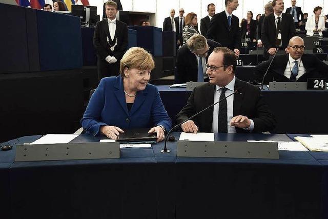 Merkel und Hollande mahnen zu Solidarität in Flüchtlingskrise