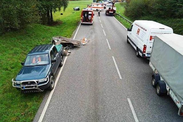 Zwei Stunden Sperrung: Schwerer Unfall auf der B 317