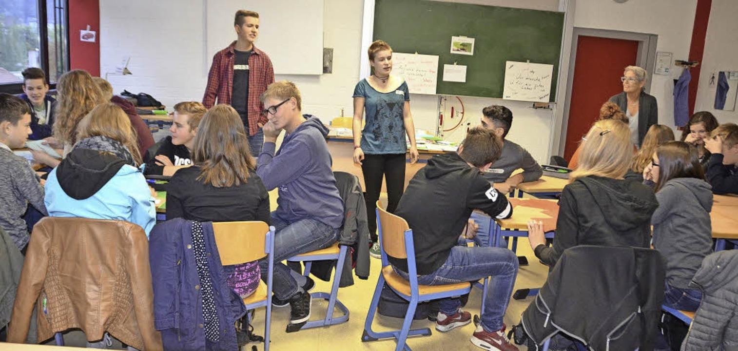 Mobil im Tal: Paulos Wacker und Charlo... zehnten Klasse der Realschule Elzach   | Foto: Bernd Fackler