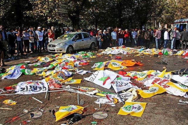 Mindestens 95 Tote bei Terrorangriff in Ankara