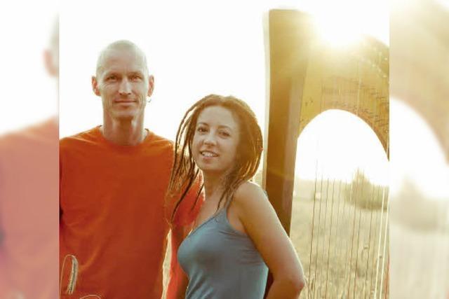 Jeanine Vahldiek (Harfe, Gesang) und Steffen Haß (Percussion) in Bonndorf