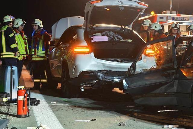 Nicht angeschnallter Autofahrer stirbt nach Unfall auf der A5