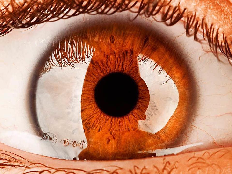 Im Alter schrumpft der Glaskörper im A...n Fällen führt das zu Netzhautschäden.  | Foto: ColourboX