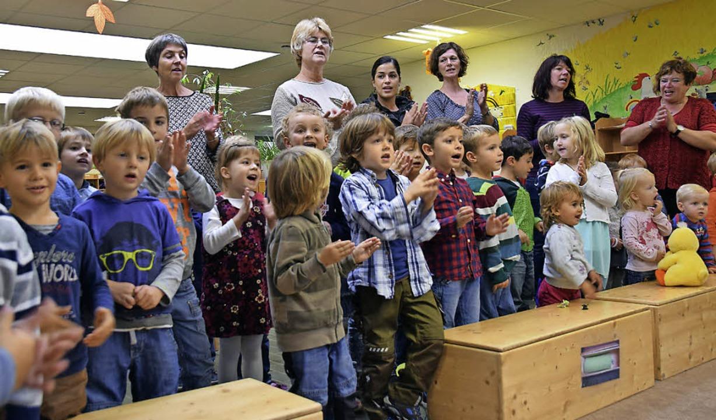 Klasse Stimmung bei der Verleihung der...Plakette im Kindergarten Auggener Weg.  | Foto: Beatrice Ehrlich