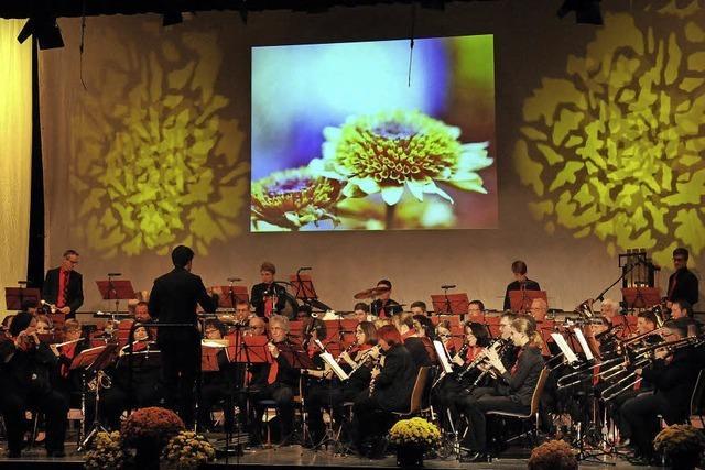 Wandeln zum Symphonieorchester