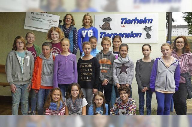 Schüler zeigen ein Herz für heimatlose Tiere