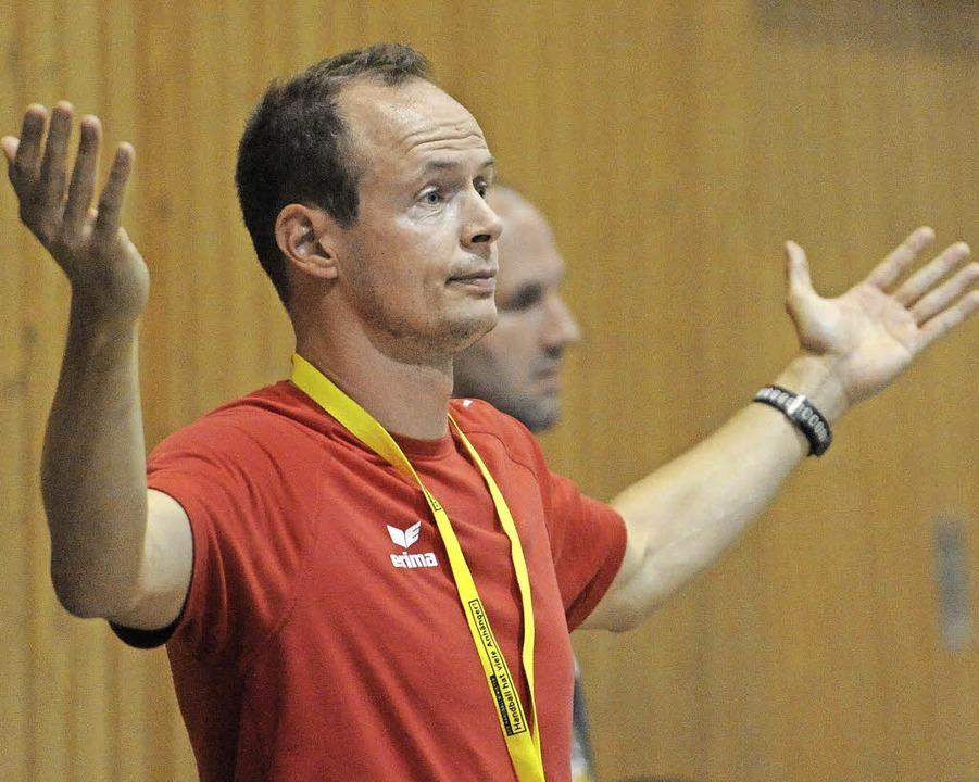 Da kannste  halt nichts machen:  Oberhausens Coach Thomas Armbruster     Foto: Achim Keller