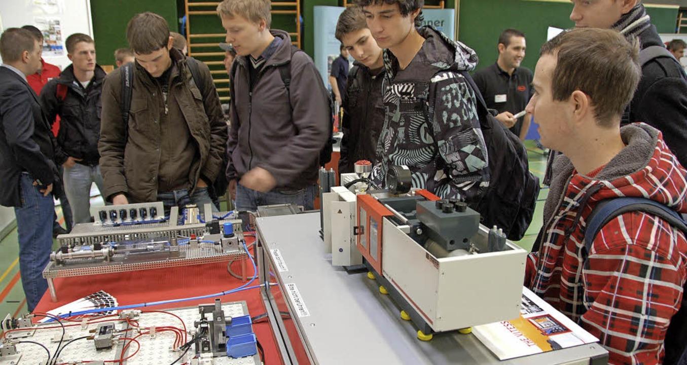 Was machen Azubis in technischen Beruf...rse Ende Oktober in der Boehle-Halle.   | Foto: ARCHIVFOTO: MARIUS ALEXANDER