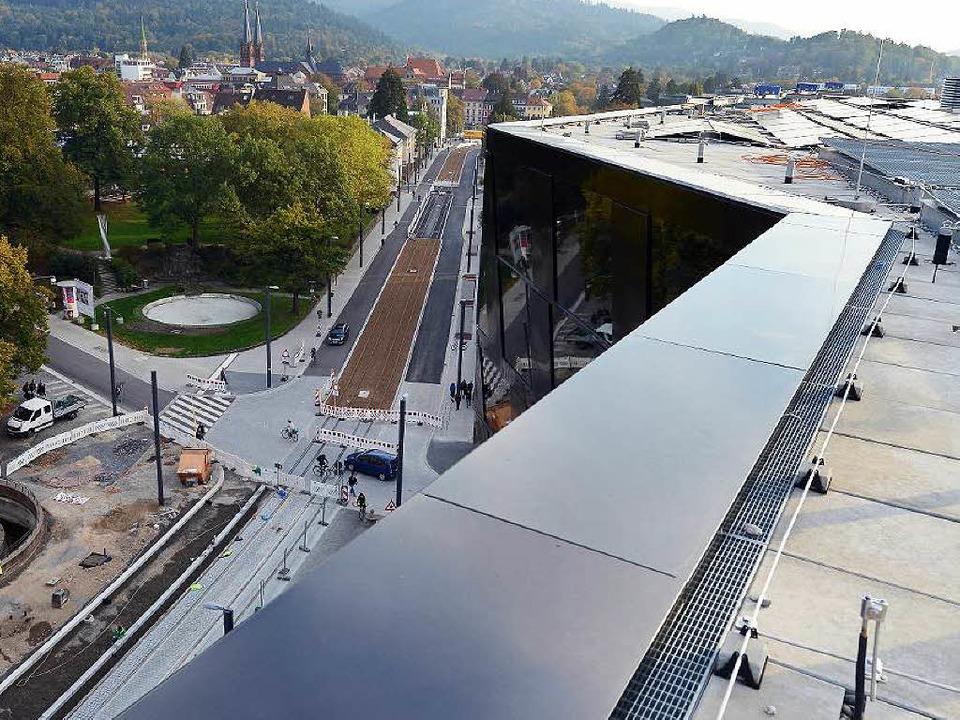 Schienen, Pflaster und Asphalt sind au... künftig eine Fahrradstraße sein wird.  | Foto: Rita Eggstein