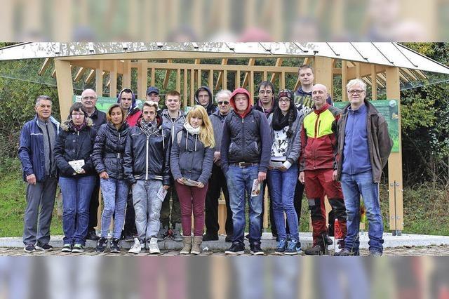 Jugendliche pflegen das Naturerbe