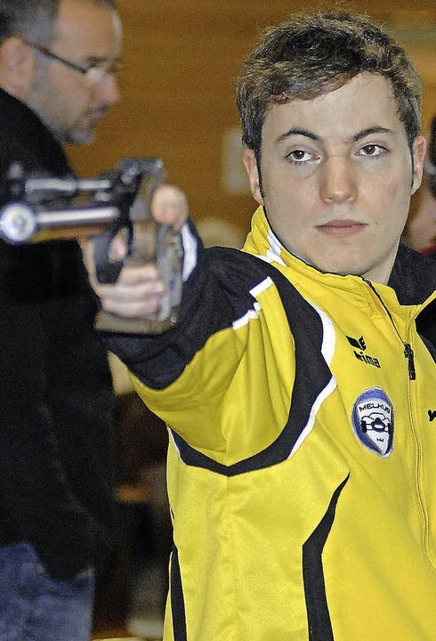 Zielsicher: Michael Schwald vom Luftpistolen-Bundesligateam des ESV Weil   | Foto: Schuster
