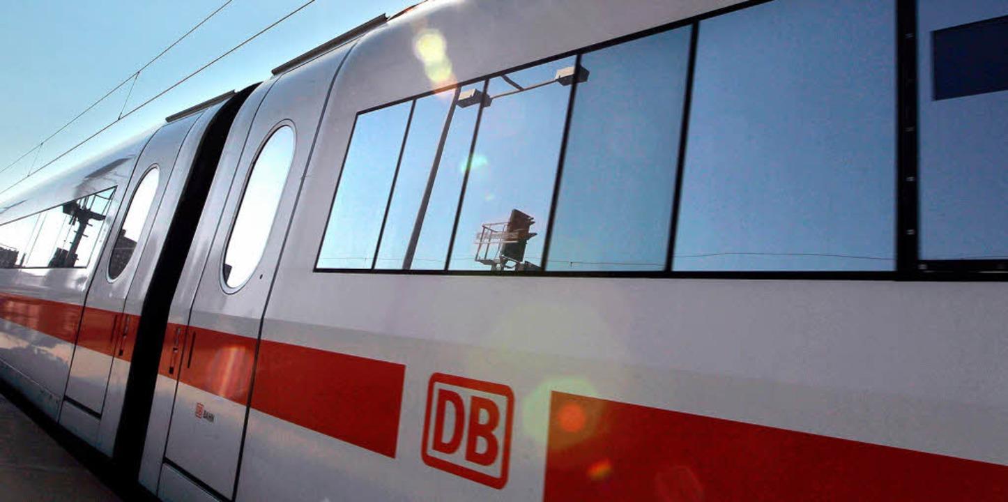 Ab Mitte Dezember hält der Intercity Badenkurier auch in Weil am Rhein.   | Foto: dpa