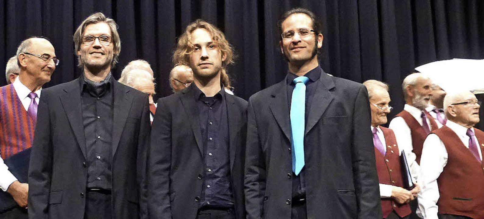 Ein Konzert – drei Dirigenten. D...ee stand mit dem DaChor auf der Bühne.  | Foto: Karla Scherer