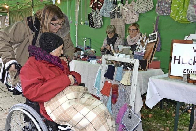 Heimeliger Kunsthandwerksmarkt im Seniorenzentrum