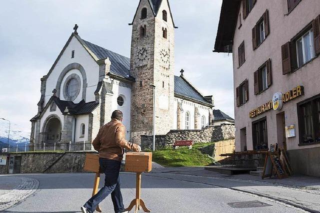 Rechtsrutsch in der Schweiz: Triumph der Populisten mit Asyl-Parolen