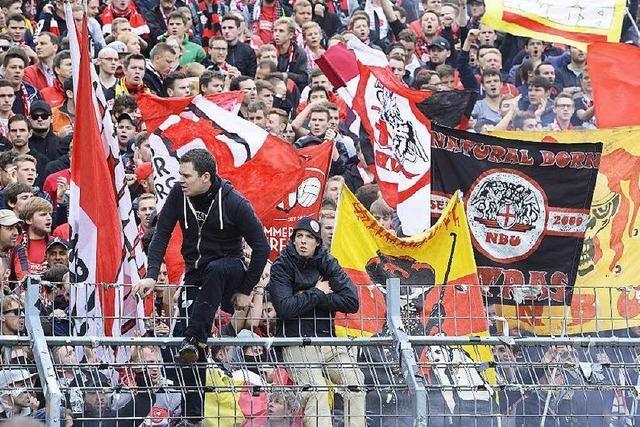 Aufenthaltsverbote gegen Ultras des SC Freiburg waren rechtswidrig