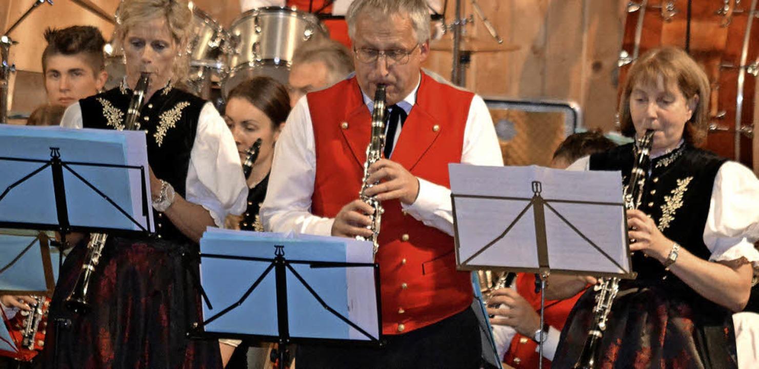 Drei Klarinettenspieler der Trachtenkapelle Hinterzarten  | Foto: Guido Kaltenbrunn