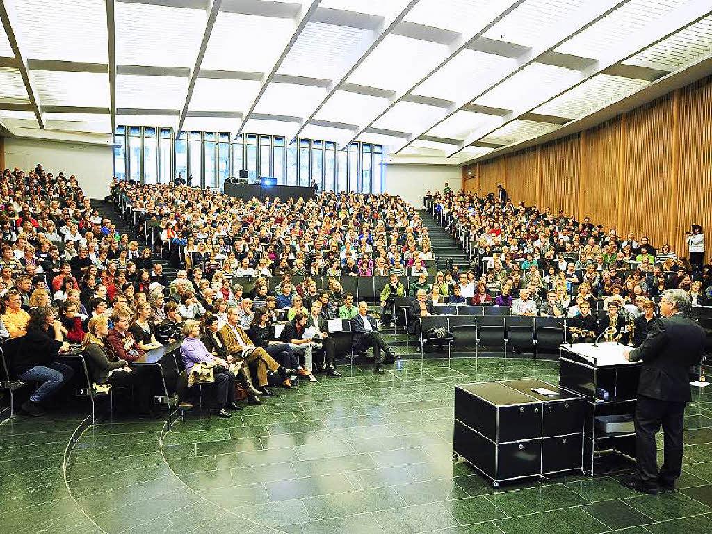 uni freiburg vermeldet studentenrekord zum wintersemester 2015 16 freiburg badische zeitung. Black Bedroom Furniture Sets. Home Design Ideas
