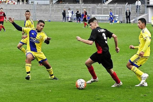Nachwuchskicker des SC Freiburg und Maccabi Tel Aviv messen sich