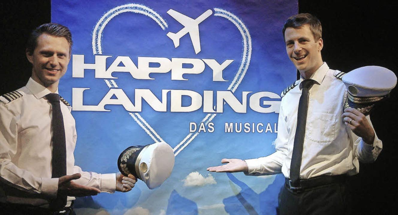 "Im Piloten-Dress stellten Komponist Jo...en, ""Happy Landing"", vor.   | Foto: Roswitha Frey"