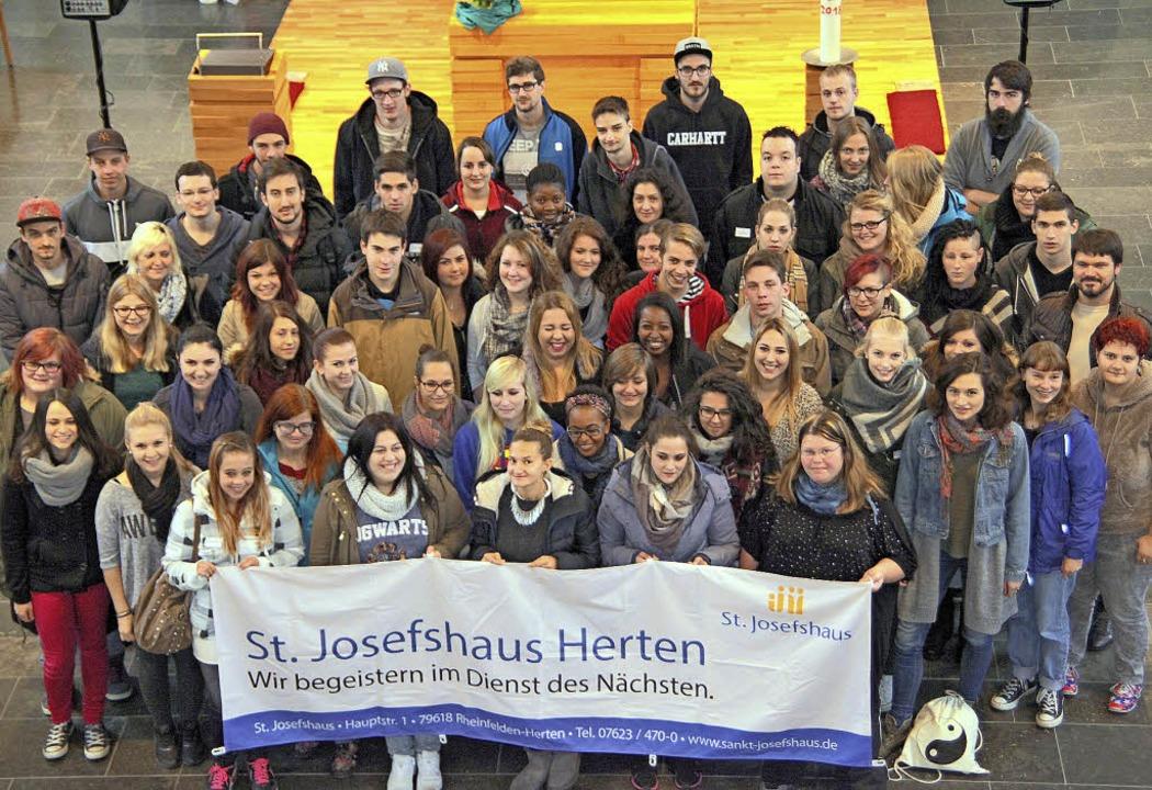 60 Frauen und Männer haben mit ihrer A...ung im St. Josefshaus Herten begonnen.  | Foto: St. Josefshaus