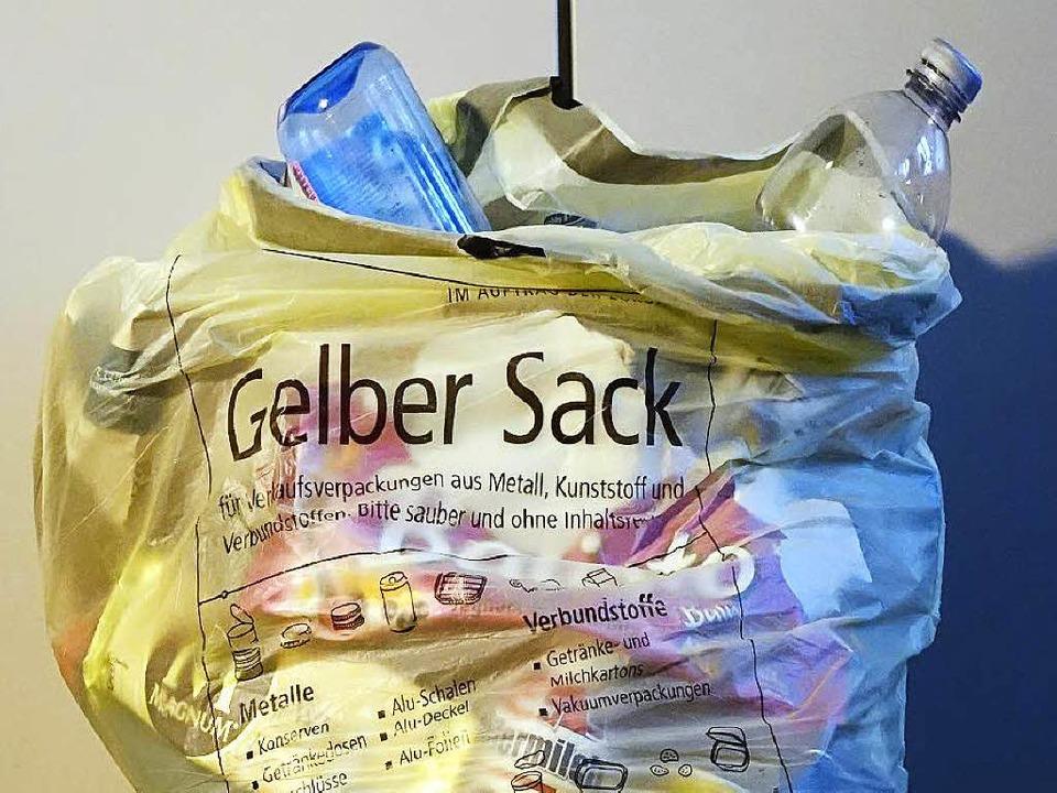 Der gelbe Sack – ein Auslaufmodell.   | Foto: Wolfgang Grabherr