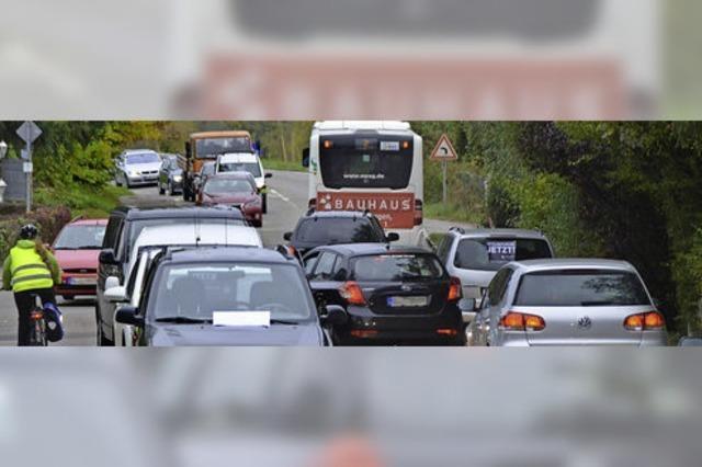 Demo für Umgehung bringt Verkehr ins Stocken