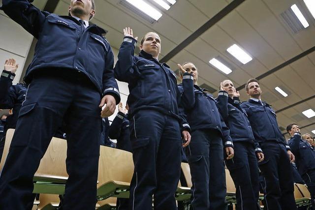 Rekordvereidigung bei der Polizei: 258 junge Beamte verpflichten sich