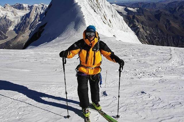 Mit Skiern auf den Achttausender