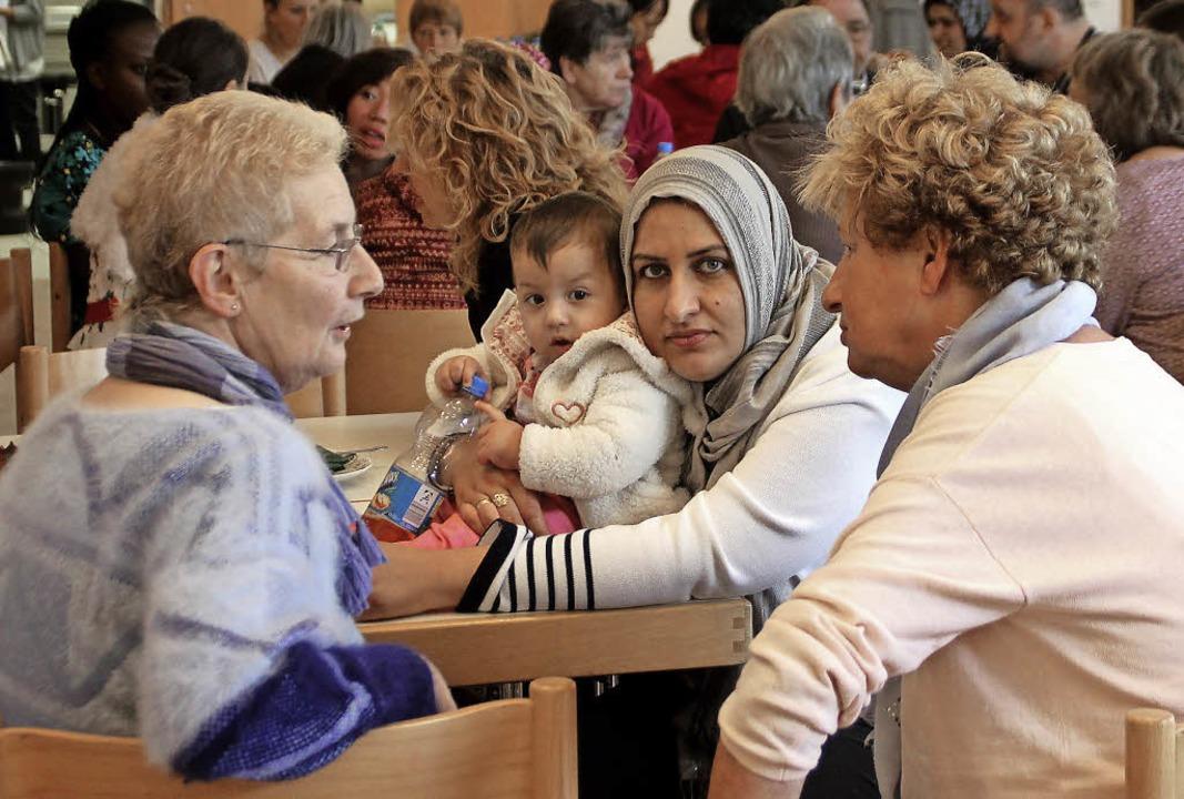 Sitzplätze wechseln, mit Flüchtlingen ...#8220;  war aktive Integrationsarbeit.  | Foto: Erika Sieberts