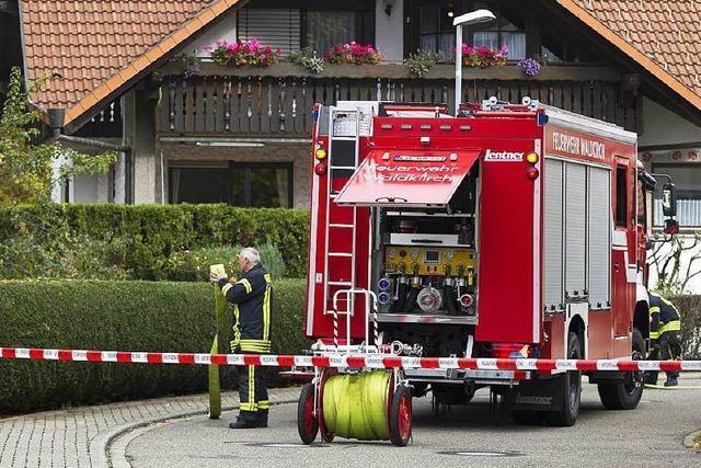 Bagger beißt in Bleibach in die Gasleitung: Anwohner evakuiert