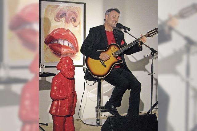 Eine Ausstellung mit rotem Faden