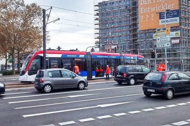 Erste Urbos-Testfahrt auf neuen Gleisen im Freiburger Westen